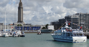 Being aboard a speedboat, the researchers were able to discover the port of Le Havre and its surroundings. They also visited the places of interest of Le Havre, the city classified as part of world heritage by UNESCO.